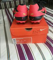 Used ORIGNAL USED  NIKE FOOTBALL/SOCCER SHOES : NIKE STRIKE IV FG, IF MEET UP 320DHS in Dubai, UAE
