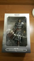 Assassins Creed Ezio Statue Figure