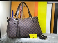 Used LV LADIES BAG S/B in Dubai, UAE