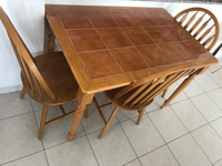 Used 4-seat dining table.Very good condition in Dubai, UAE