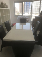 Used White dinning table including 6 chairs  in Dubai, UAE