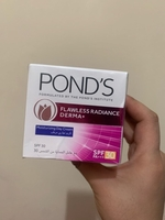 Used Pond's Flawless Radiance Derma+ SPF30 PA in Dubai, UAE