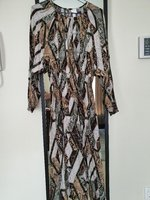 Used H&M dress size Medium in Dubai, UAE
