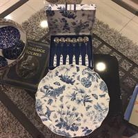 Used Handmade Fine Porcelain Dessert Set  in Dubai, UAE