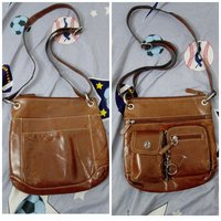 Used Unisex Hand bag in Dubai, UAE