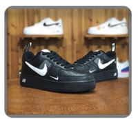 Used Unisex Nike shose in Dubai, UAE