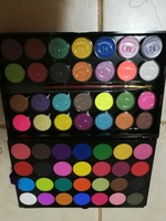 Used New make up eye shadow pallete in Dubai, UAE