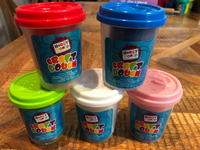 Used Five brand new homeschooling craft dough in Dubai, UAE