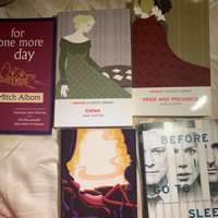 Used Set of 5 books all new in Dubai, UAE