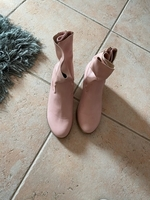 Used Pink boots  in Dubai, UAE
