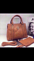 Used Tory Burch-handbag-👜 first class copy  in Dubai, UAE