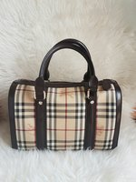 Used Premium copy Burberry Doctors bag in Dubai, UAE