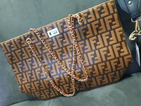 Used fendi shoulder bag replica in Dubai, UAE