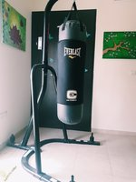 Used Century boxing stand & EverlastC3 bx bag in Dubai, UAE