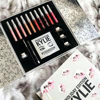 "Kylie's ""HOLIDAY EDITION"" Kylie Cosmetics"