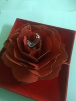 Used Romantic rotary rose ring box in Dubai, UAE