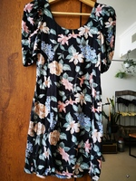 Used Forever new floral dress size small in Dubai, UAE