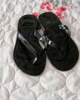 Used Black shiny slipper in Dubai, UAE