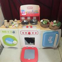 Used Elc Wood Kitchen in Dubai, UAE