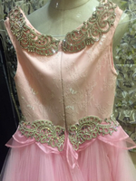 Used gown for kidz 5-7 in Dubai, UAE