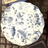 Used Fine Porcelain Handmade & Drawn Cake Platter  in Dubai, UAE