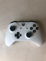 Used Xbox One White Controller in Dubai, UAE