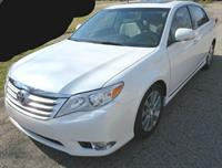 Used Toyota Avalon 2012 for sale in Dubai, UAE