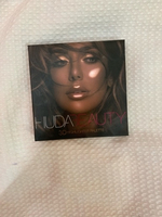 Used Huda beauty original 3D highlighter  in Dubai, UAE