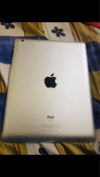 Used Ipad2 16gb wifi apple + free items + in Dubai, UAE