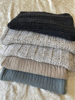 Used Knitted throws and cushion queen size in Dubai, UAE
