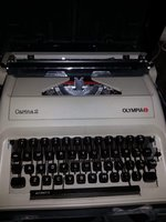 Used Typewriter in Dubai, UAE
