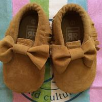 Pre walker Moccasins 12-18 Mths Camel Color.