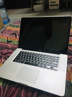 Used macbook pro i7 in Dubai, UAE