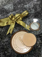 Face powder with snake oil New