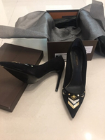 Used LV Shocking pump brand new original in Dubai, UAE