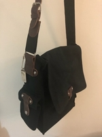 Used Hand bag unisex in Dubai, UAE