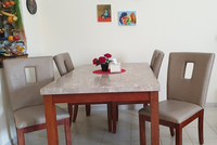 Used Dining table with 4 chaire in Dubai, UAE