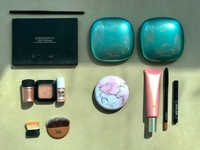 Used Makeup bronzers, contouring pallete in Dubai, UAE