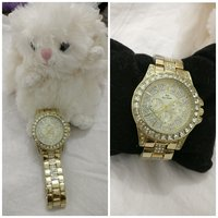 Used Bee sister watch with a free teddy in Dubai, UAE