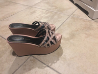 Used Charles and keith tea pink wedge sandal in Dubai, UAE