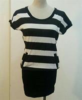 Top Or Short Dress Stripes Black And Whi