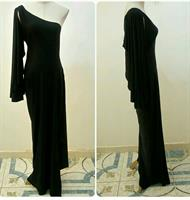 Used Long Dress Ofshoulder Black Color Available Sizes Never Worn Very Nice Fitting  in Dubai, UAE
