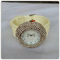 Silver light yellow watch fashion...