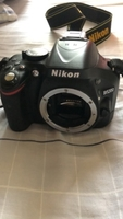 Used Nikon D5200 with 18-55 mm lens in Dubai, UAE