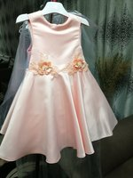 Used Dress for girl. 4 years. Apricot. in Dubai, UAE