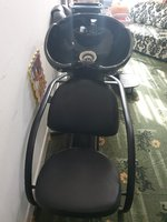 Used saloon shower chair in Dubai, UAE