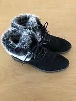 New black boots with fur top size 42