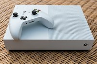 Used Xbox one s 1tb with box new in Dubai, UAE