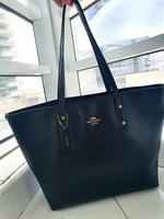 Used Preloved Black Coach Tote Bag-Authentic/ in Dubai, UAE