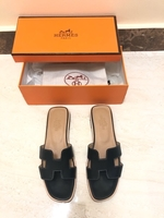 Used Hermes slippers  in Dubai, UAE